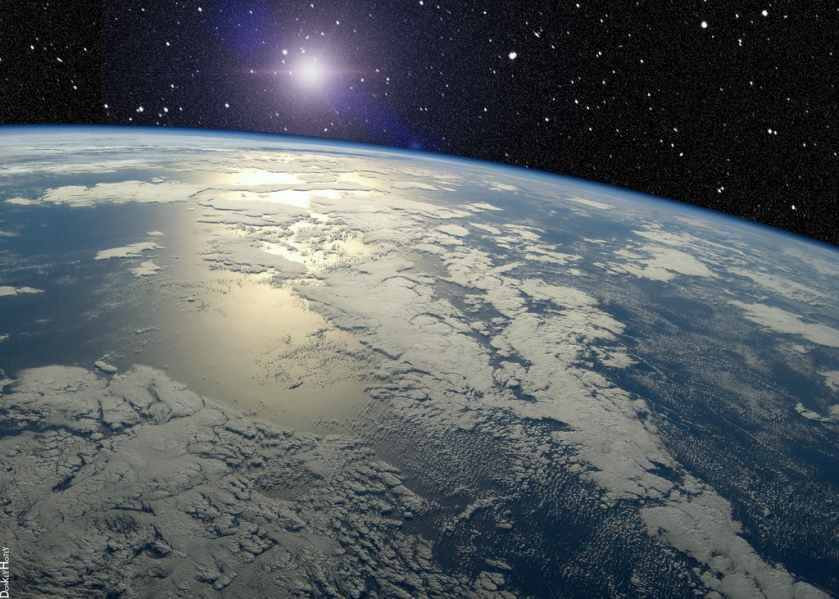 Earth Horizon with UFO or Star by DonkeyHotey, Flickr